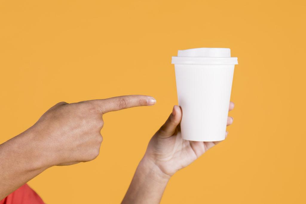 Le marketing sur des gobelets avec CupsAd